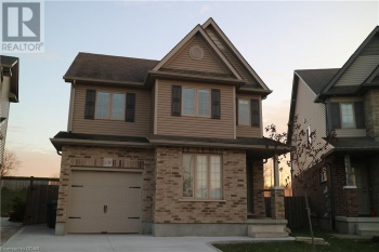 138 CURZON CRESCENT Crescent, Guelph, Ontario N1K0B3, 4 Bedrooms Bedrooms, ,3 BathroomsBathrooms,Single Family,For Lease,CURZON CRESCENT,40045031