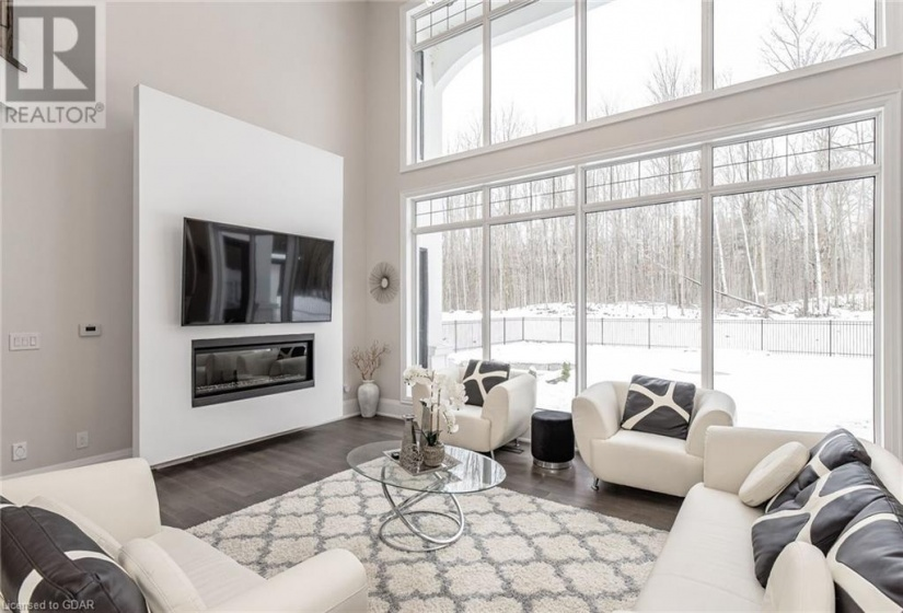 2081 20TH Side Road, Milton, Ontario L0P1J0, 6 Bedrooms Bedrooms, ,6 BathroomsBathrooms,Single Family,For Sale,20TH,40049721
