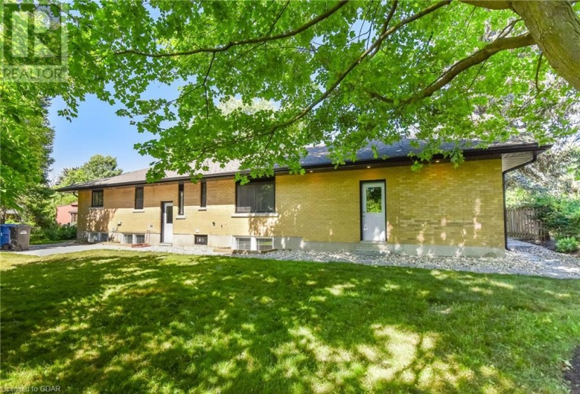 15 CALEDONIA Street, Guelph, Ontario N1G2C4, 5 Bedrooms Bedrooms, ,3 BathroomsBathrooms,Single Family,For Sale,CALEDONIA,40050847