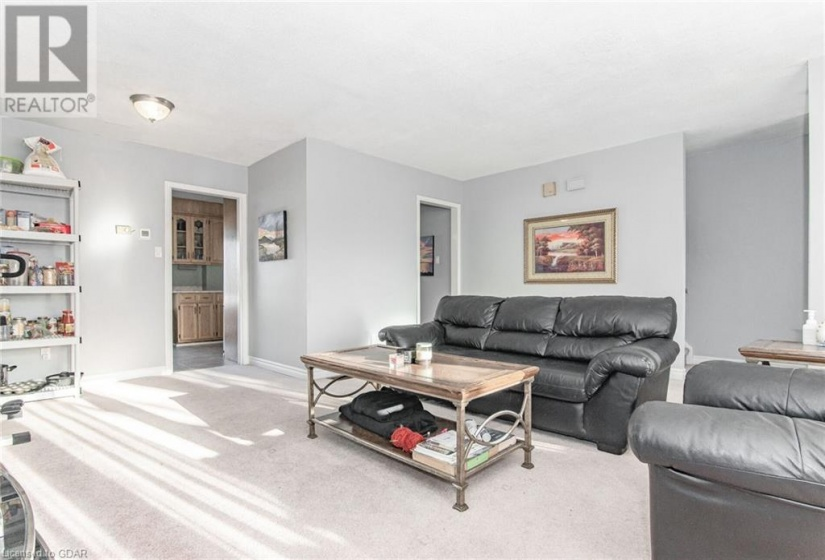 628 COLLEGE Avenue, Guelph, Ontario N1G1T8, 4 Bedrooms Bedrooms, ,2 BathroomsBathrooms,Single Family,For Sale,COLLEGE,40054495