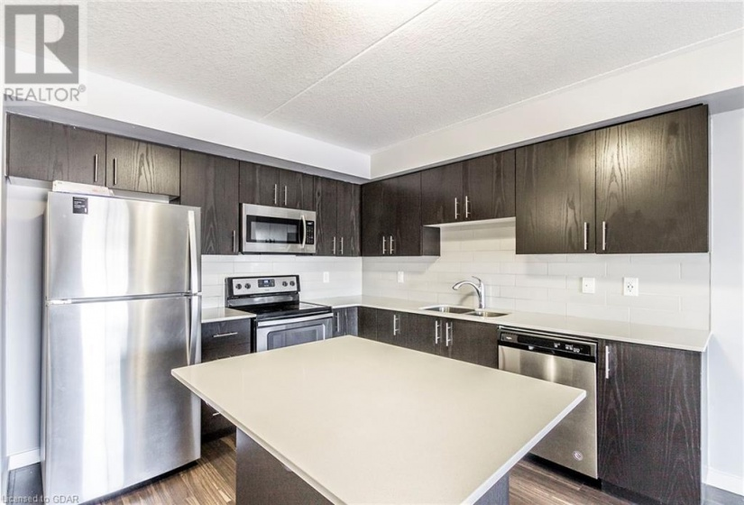 25 KAY Crescent, Guelph, Ontario N1L1T3, 2 Bedrooms Bedrooms, ,2 BathroomsBathrooms,Single Family,For Sale,KAY,40055201