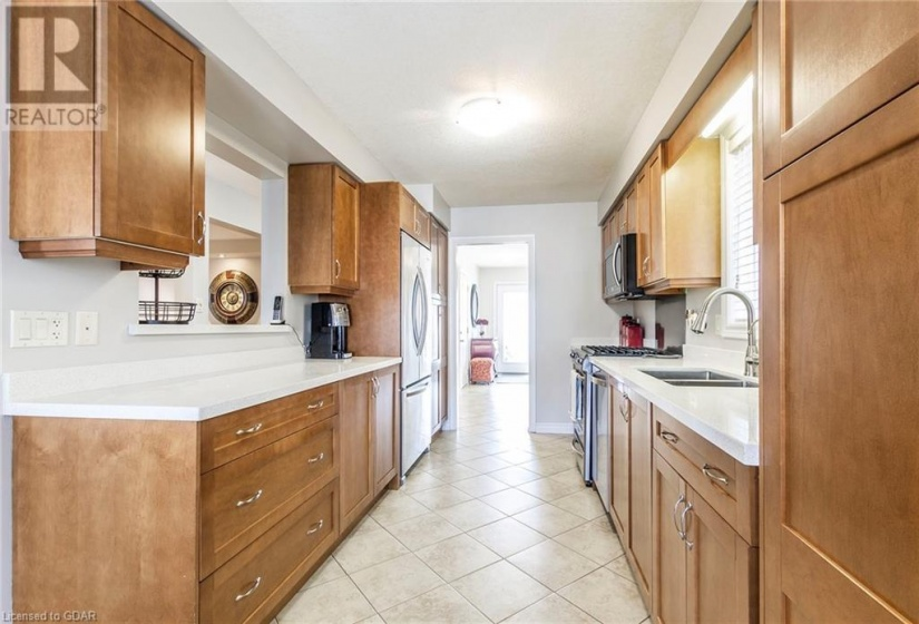 190 GOODWIN Drive, Guelph, Ontario N1L0B6, 5 Bedrooms Bedrooms, ,4 BathroomsBathrooms,Single Family,For Sale,GOODWIN,40075006