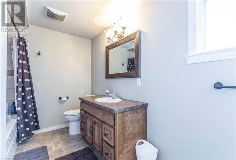 19 FORESTWOOD Drive, Kitchener, Ontario N2N1A9, 5 Bedrooms Bedrooms, ,3 BathroomsBathrooms,Single Family,For Sale,FORESTWOOD,40088843
