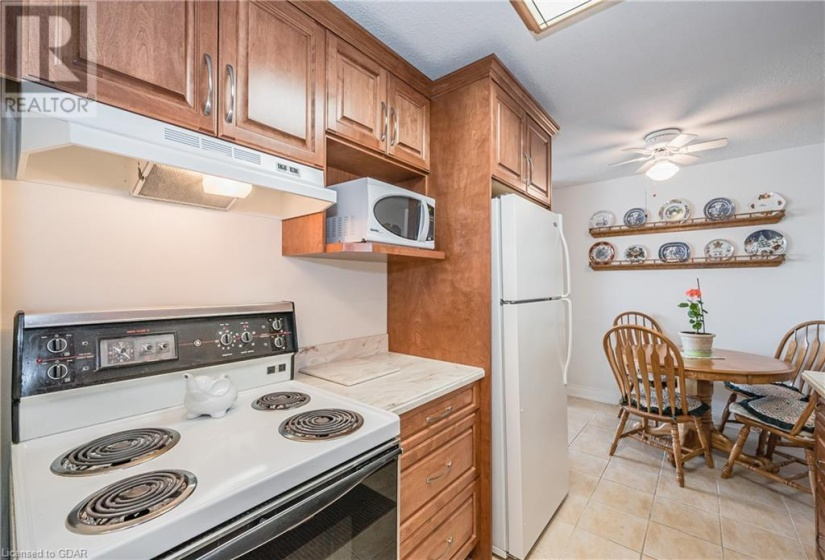 19 WOODLAWN Road, Guelph, Ontario N1H7B1, 2 Bedrooms Bedrooms, ,1 BathroomBathrooms,Single Family,For Sale,WOODLAWN,40090642