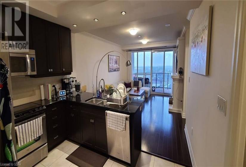 160 MACDONELL Street, Guelph, Ontario N1H0A9, 1 Bedroom Bedrooms, ,1 BathroomBathrooms,Single Family,For Lease,MACDONELL,40107028