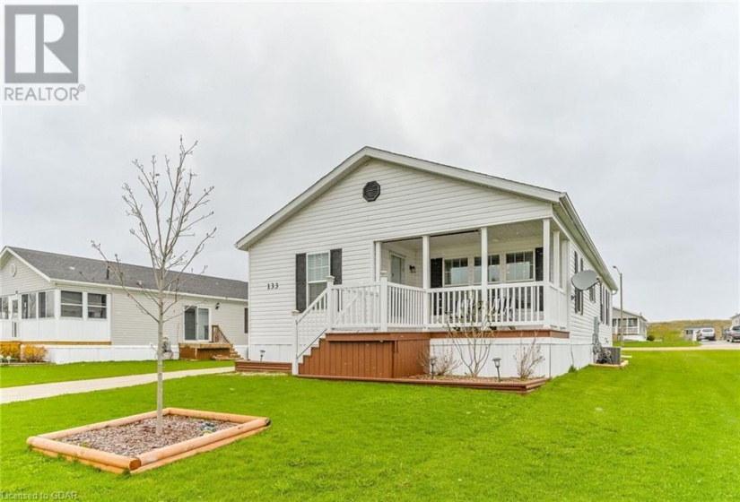 133 PARKVIEW Circle, Moorefield, Ontario N0G2K0, 2 Bedrooms Bedrooms, ,2 BathroomsBathrooms,Single Family,For Sale,PARKVIEW,40106380