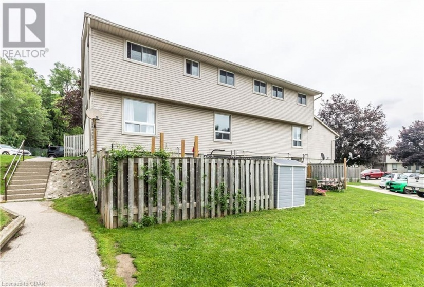 700 PAISLEY Road, Guelph, Ontario N1K1A3, 4 Bedrooms Bedrooms, ,3 BathroomsBathrooms,Single Family,For Sale,PAISLEY,40143694