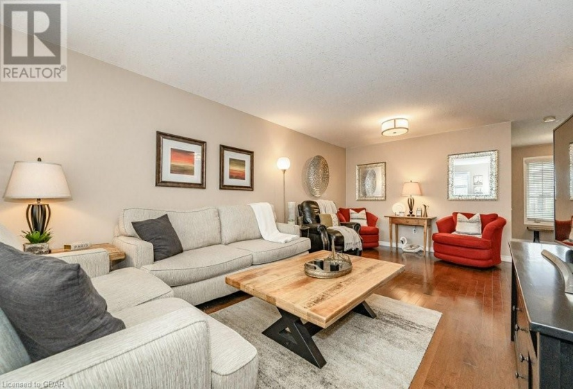 17 TRAILBROOK Lane, Guelph, Ontario N1E7B6, 3 Bedrooms Bedrooms, ,2 BathroomsBathrooms,Single Family,For Sale,TRAILBROOK,40174460