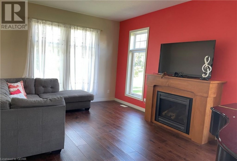 161 GOODWIN Drive, Guelph, Ontario N1L0C5, 4 Bedrooms Bedrooms, ,3 BathroomsBathrooms,Single Family,For Lease,GOODWIN,40175421