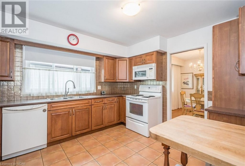 3 KINGSLEY Court, Guelph, Ontario N1E1E2, 4 Bedrooms Bedrooms, ,2 BathroomsBathrooms,Single Family,For Sale,KINGSLEY,40171124